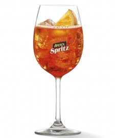 Finissage Live and Let Live with Aperol Spritz cocktails